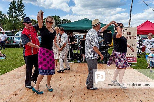 Großbritannien tanzen Dorf zeigen Sussex Verein