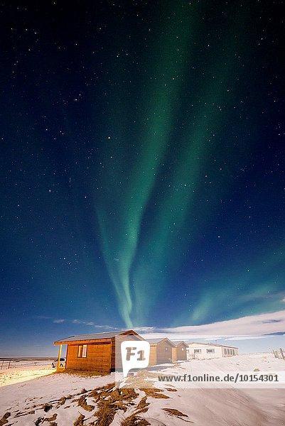 über klein Dorf Polarlicht Island