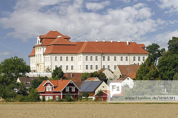 Schloss Bertoldsheim  Rennertshofen  Oberbayern  Bayern  Deutschland  Europa