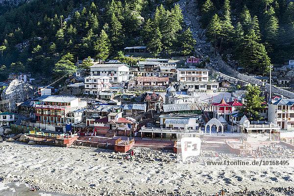 Ort am Oberlauf des Ganges  wichtiger Wallfahrtsort für Hindus und Buddhisten und Teil des hinduistischen Pilgerwegs Chota Char Dham  Gangotri  Uttarakhand  Indien  Asien