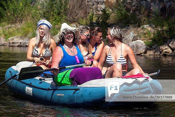 gehen Fluss Tschechische Republik Tschechien Moldau Böhmen Rafting