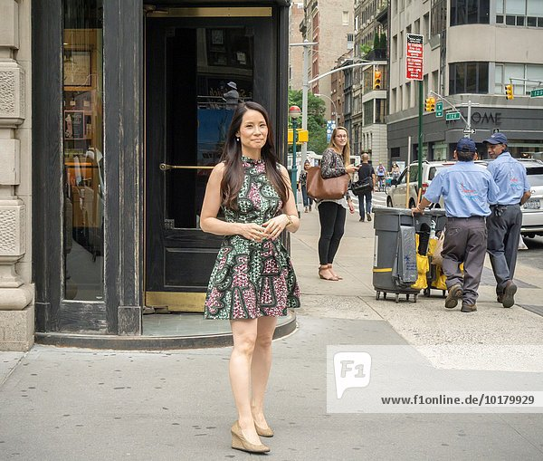 Actress Lucy Liu on Fifth Avenue in New York taping an episode of ´´Billy on the Street´´ for TruTV