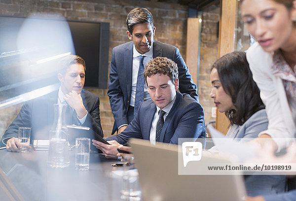 Geschäftsleute im Konferenzraum Meeting