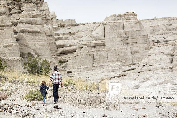 Menschlicher Vater Sohn Forschung Wüste Anordnung