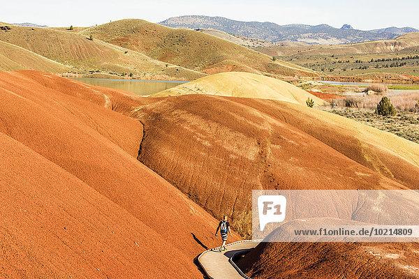 Europäer Hügel Wüste wandern
