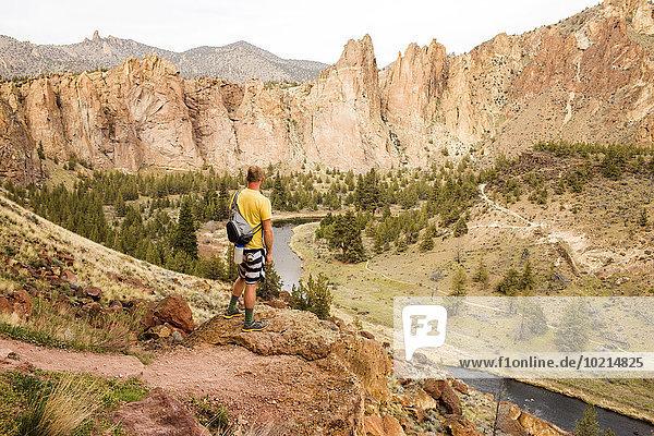 Europäer Vereinigte Staaten von Amerika USA Bewunderung Landschaft Hügel Wüste wandern