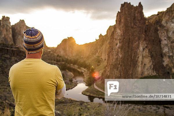 Landschaftlich schön landschaftlich reizvoll Europäer Mann Vereinigte Staaten von Amerika USA Bewunderung Landschaft Wüste