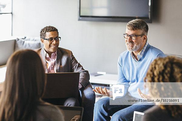 sprechen Mensch Büro Menschen Geschäftsbesprechung Besuch Treffen trifft Business sprechen,Mensch,Büro,Menschen,Geschäftsbesprechung,Besuch,Treffen,trifft,Business