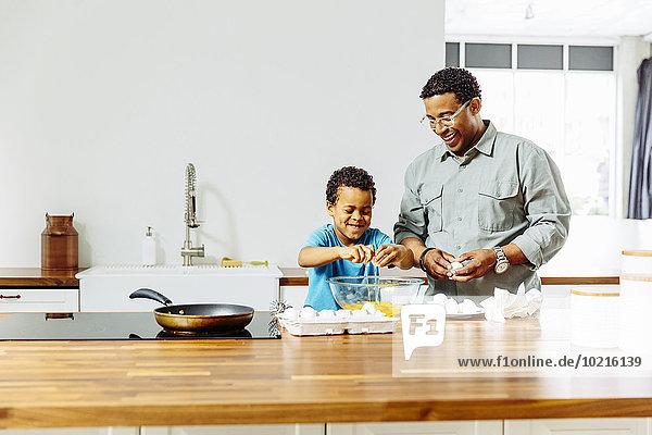 kochen Menschlicher Vater Sohn Küche kochen,Menschlicher Vater,Sohn,Küche