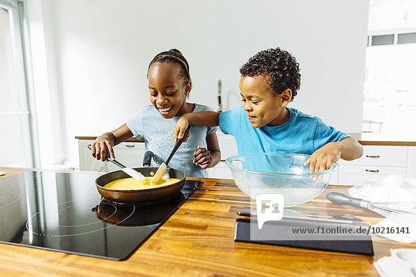 kochen Bruder Schwester Küche Frühstück kochen,Bruder,Schwester,Küche,Frühstück