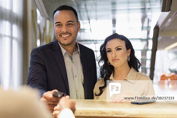 Mensch Prüfung Menschen Hotel Business Concierge