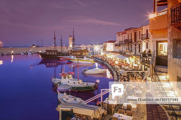 Fischereihafen Fischerhafen Städtisches Motiv Städtische Motive Straßenszene Nacht Boot Dock