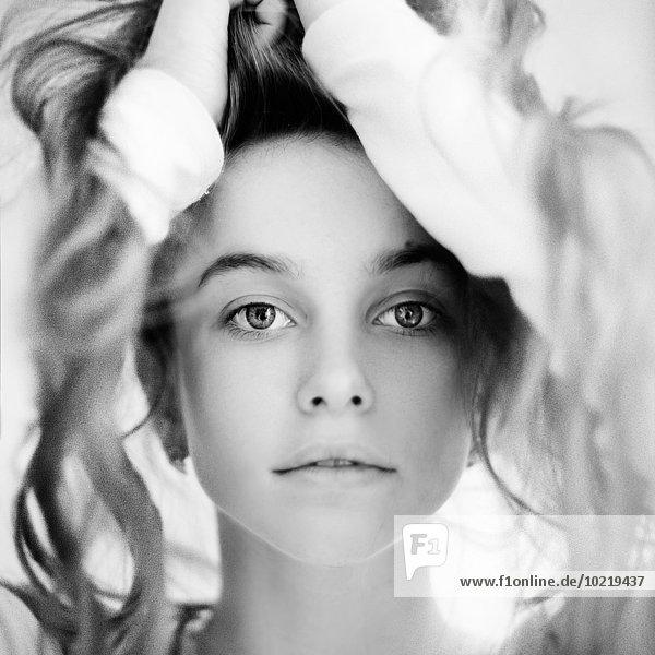 Jugendlicher Europäer unordentlich Mädchen Haar spielen Jugendlicher,Europäer,unordentlich,Mädchen,Haar,spielen