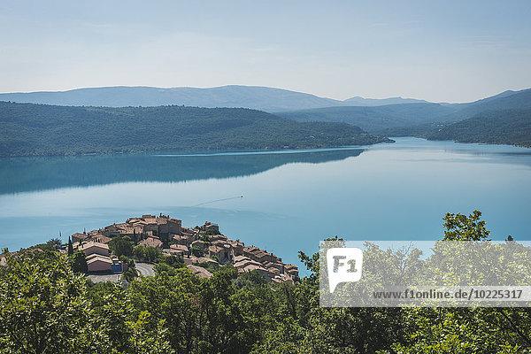 France  Alpes-de-Haute-Provence  View to Sainte-Croix-du-Verdon on Lac de Sainte-Croix