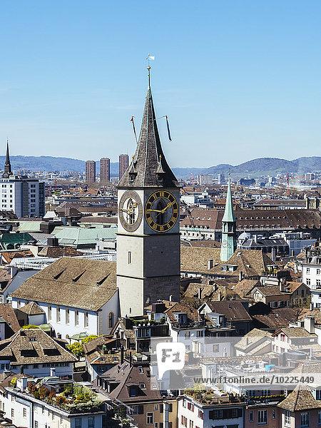 Schweiz  Zürich  Altstadt  Blick auf St. Peter Kirchenuhr