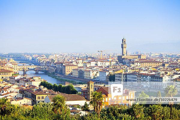 Italien  Florenz  Stadtbild mit Ponte Vecchio und Palazzo Vecchio