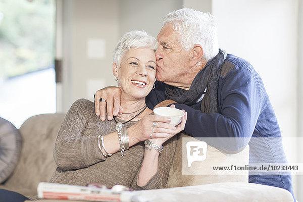 Seniorenpaar zu Hause