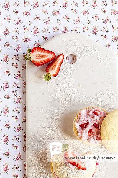 Whoopie Pies mit Erdbeerquark