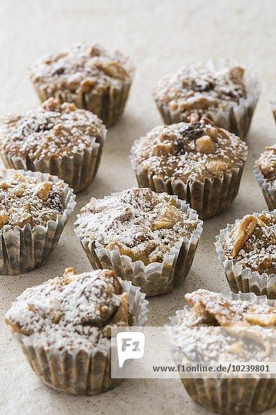 Mini Muffins mit getrockneten Früchten