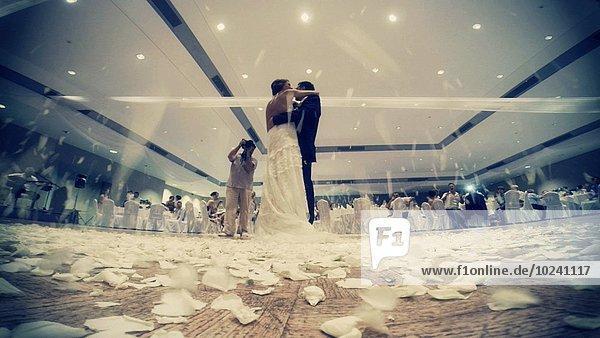 Boden Fußboden Fußböden Blume Bräutigam Hochzeit aufwärts grüßen tanzen Brücke Blütenblatt Ar