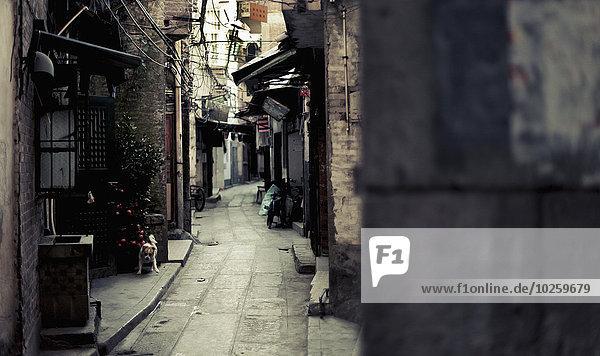 Enge Gasse zwischen den Häusern  Guangzhou  China