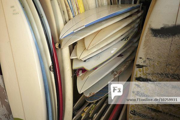 Vollbildaufnahme von Surfbrettern