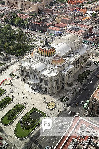 Hochwinkelansicht des Palacio de Bellas Artes