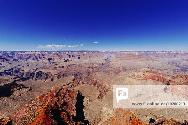 Grand Canyon Nationalpark gegen klaren blauen Himmel