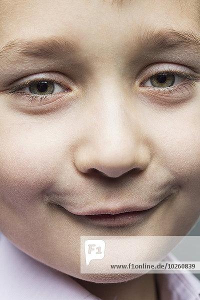 Nahaufnahme des lächelnden Jungen