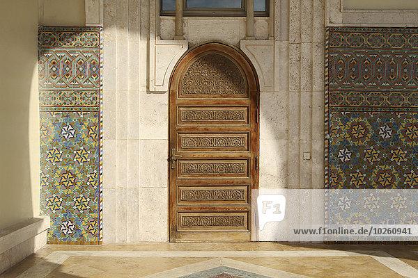 Holztür in der Hassan II Moschee