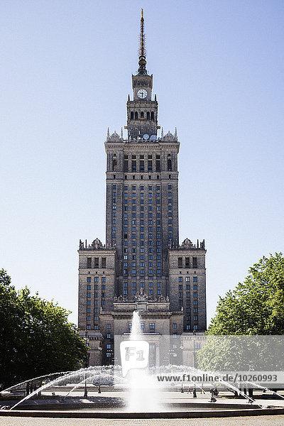 Fassade des Kultur- und Wissenschaftspalastes in Warschau