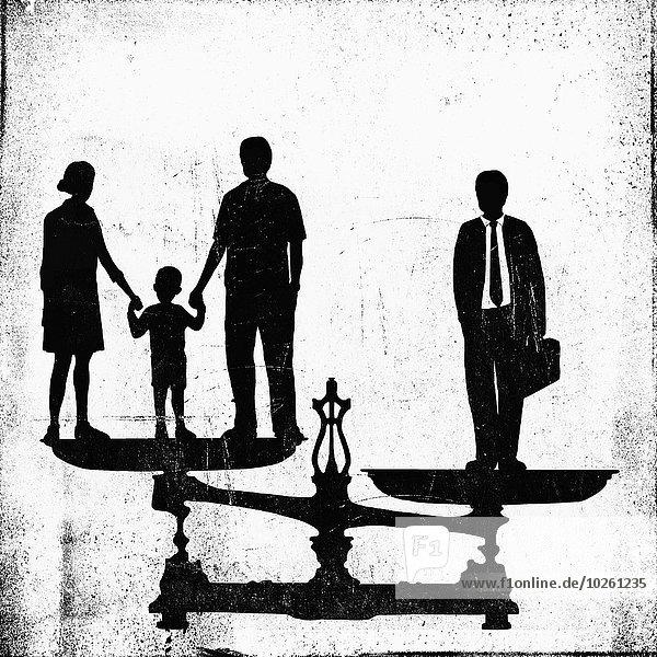 Illustratives Bild von Geschäftsmann und Familie auf der Waage