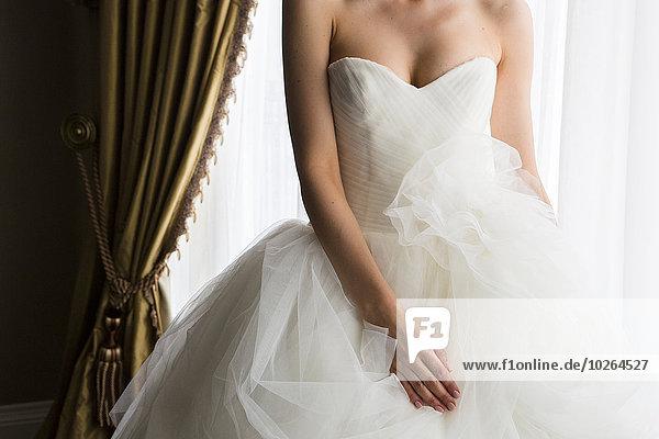 Portrait Braut Hochzeit schulterfrei Kleid