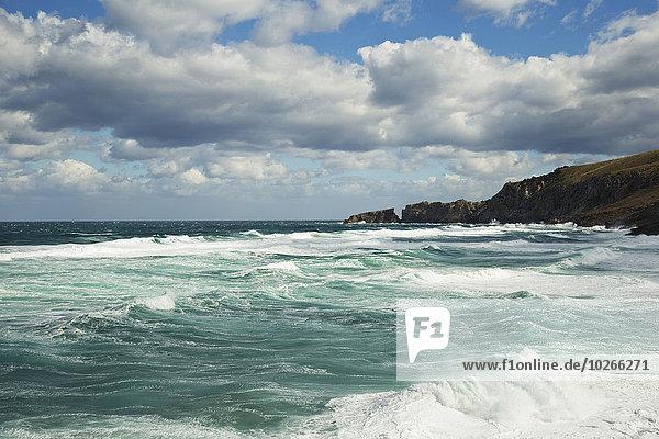 Wolke Himmel über blau zerbrechen brechen bricht brechend zerbrechend zerbricht Balearen Balearische Inseln Mallorca Spanien