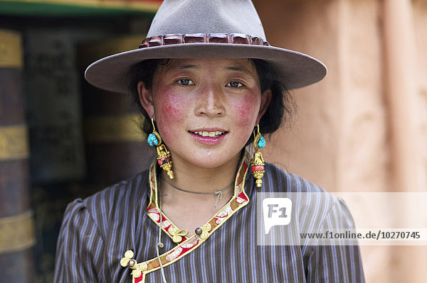 Portrait Frau jung China Tibet Sichuan