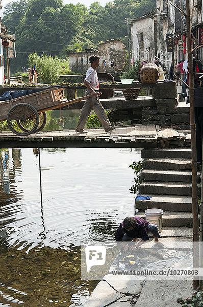 nahe, Frau, Mann, arbeiten, ziehen, Ecke, Ecken, klein, Dorf, China