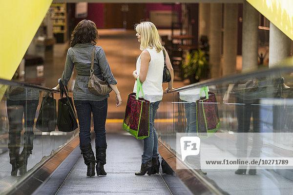 Rolltreppe Zusammenhalt Freundin nehmen kaufen 2