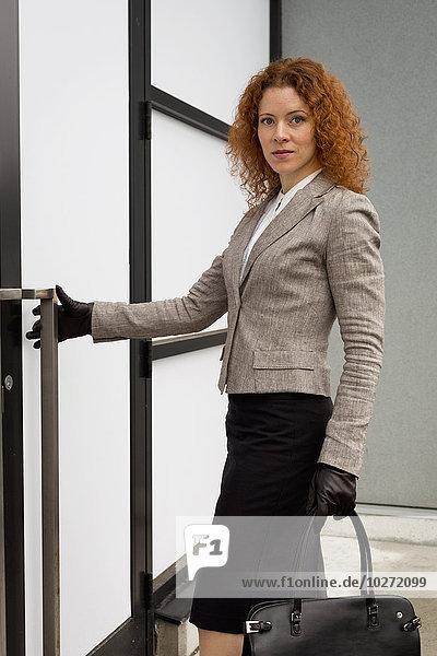 reinkommen Portrait Geschäftsfrau Arbeitsplatz