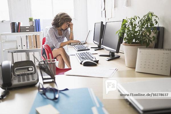 junge Frau, junge Frauen, arbeiten, Büro