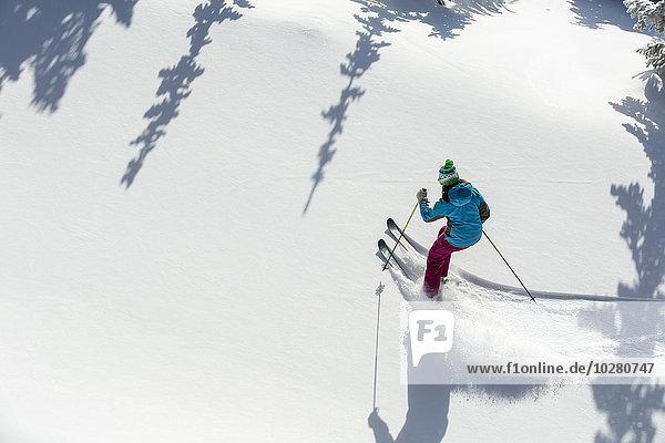 Frau Skisport Ansicht Erhöhte Ansicht Aufsicht heben