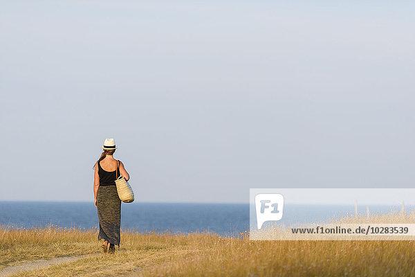 Frau sehen Meer
