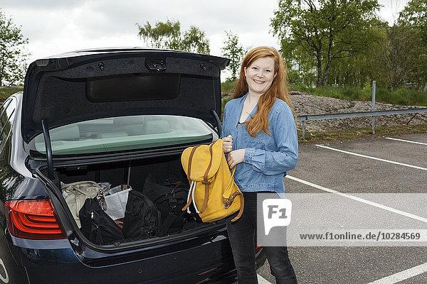 Rucksack Frau Auto Stiefel