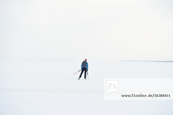 Schweden  Jamtland  Are  Annsjon  Tourist in Winterlandschaft