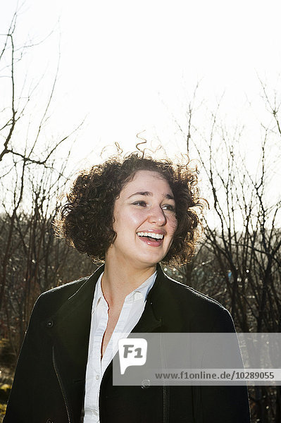 Schweden  Vastra Gotaland  Göteborg  Portrait einer lächelnden Frau