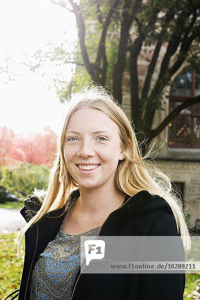 Schweden  Vastra Gotaland  Göteborg  School of Business  Economics and Law  Porträt einer jungen Frau an der Universität