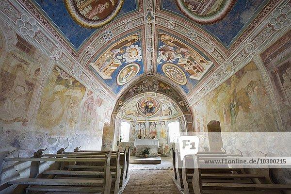 Gotische Kirche St Helena  Deutschnofen  Trentino-Alto Adige  Südtirol  Italien  Europa