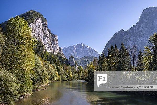 Gesäuseeingang  Fluss Enns  hinten Großer Ödstein  Nationalpark Gesäuse  Steiermark  Österreich  Europa