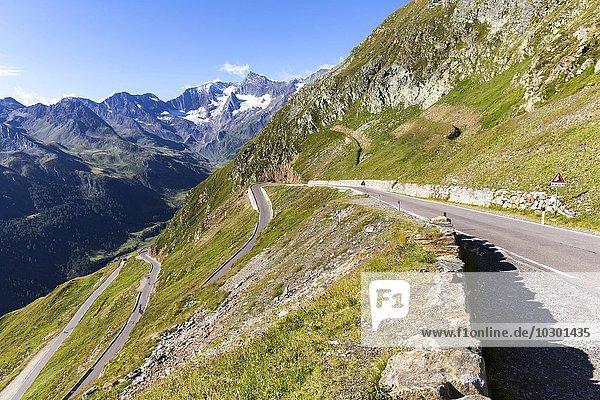 Pass-Straße  Passstraße Timmelsjoch (Passo del Rombo)  Passeiertal  Südtirol  Italien  Europa