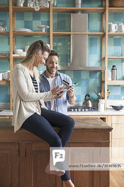 Paare online einkaufen zu Hause