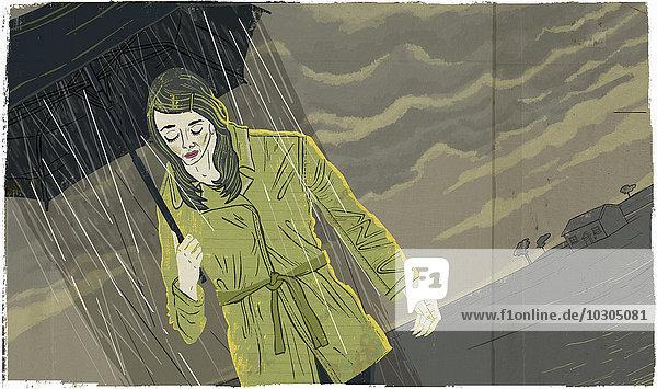 Deprimierte Frau geht unter düsterem Himmel mit Regen  der aus dem Schirm fällt